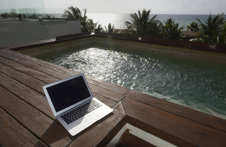 plunge pool laptop
