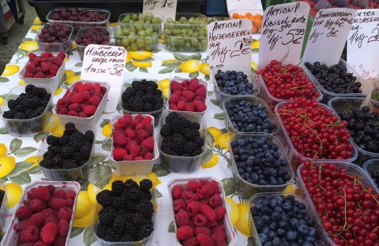 Naschmarkt berries