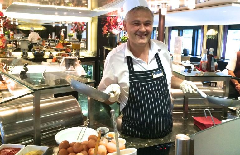 AmaSonata breakfast chef