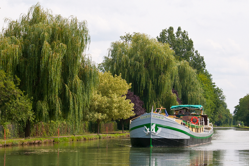 Barge Elisabeth in Burgundy. Photo courtesy Barge Elisabeth.