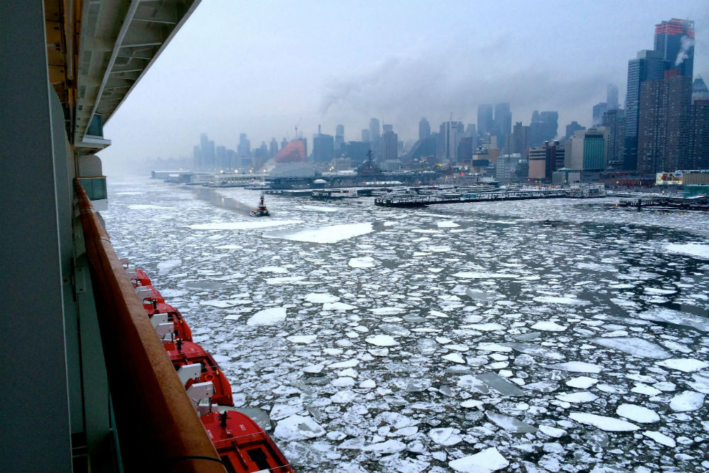 Stunning Photos An Ice Filled New York Harbor In Winter