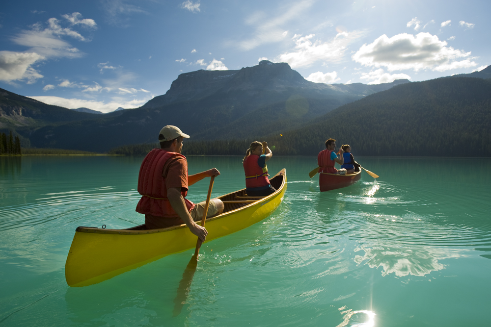 people canoeing in British Columbia Canada