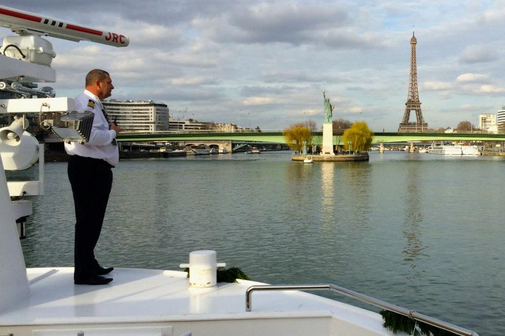 Avalon Hotel Paris To Eiffel Tower
