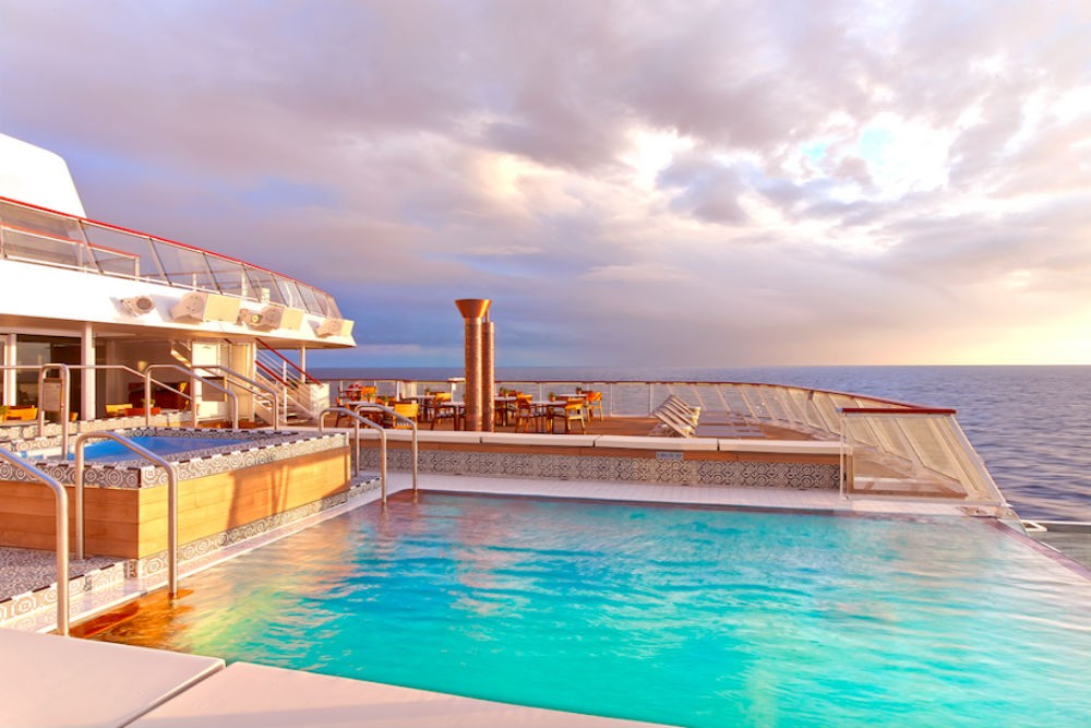 The infinity pool at the back of the ship.