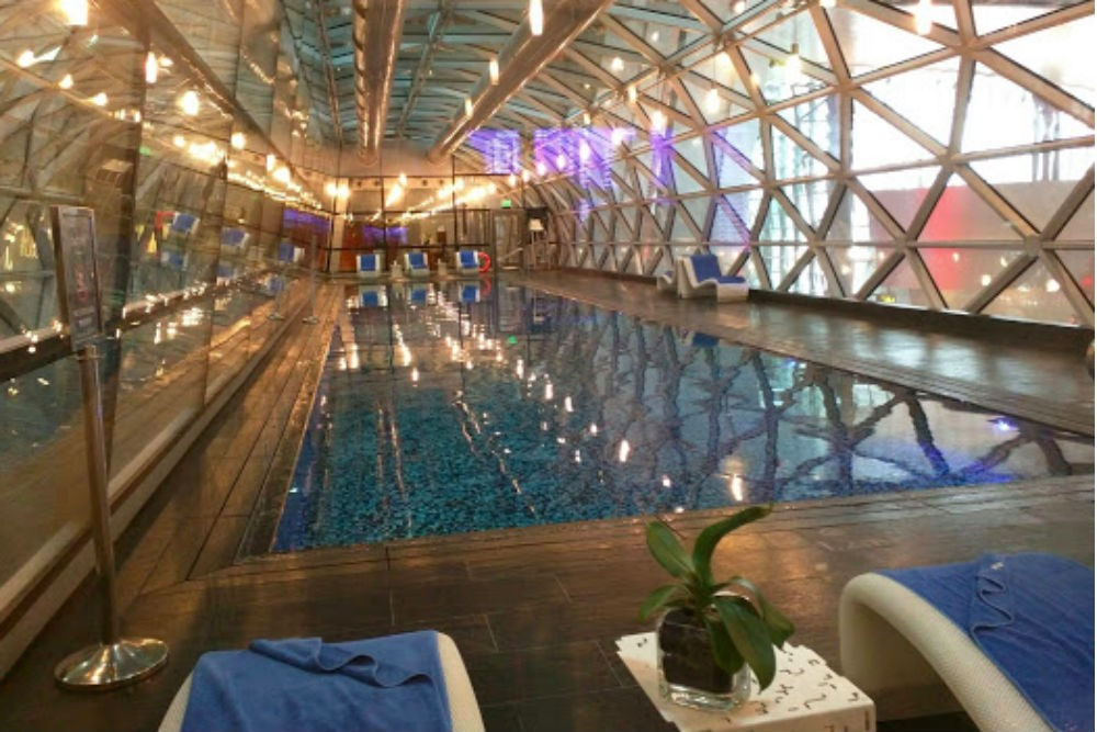 The pool at Doha's Hamad International Airport