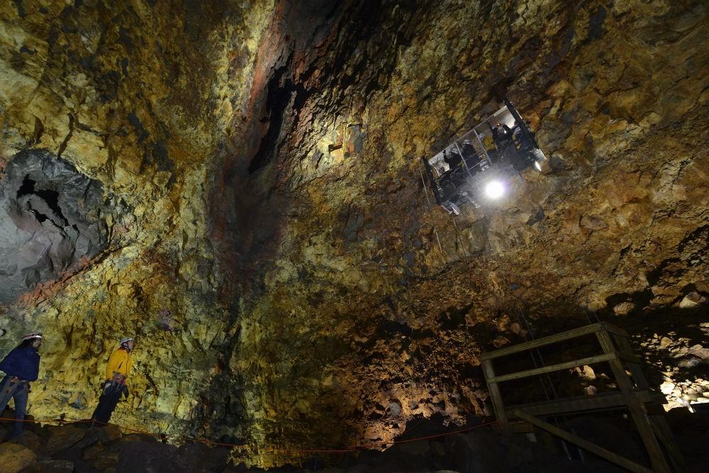 14 inside the volcano DSC_7129