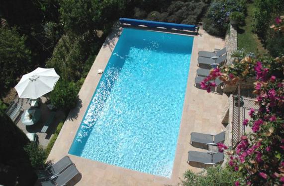 villa pool in France
