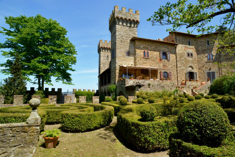 Gorgeous Italian Villas Within Walking Distance To Towns