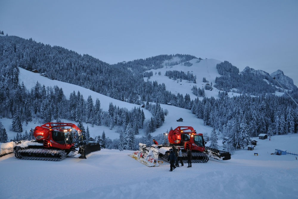 snow grooming pisten bully machine in switzerland