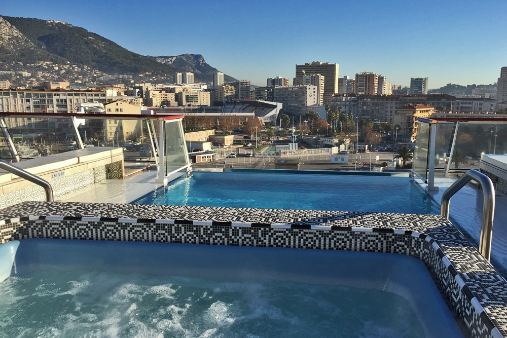 rooftop infinity pool on Viking Star cruise ship