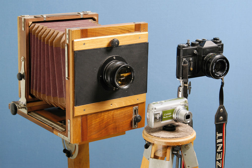 old fashioned cameras by Vladimir Morozov/Flickr