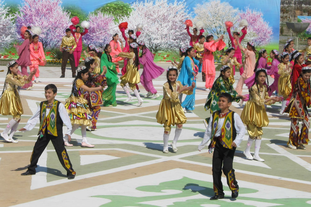 Uzbekistan new years performance