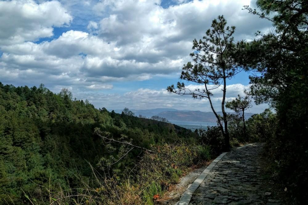 Hiking Cangshan mountain, overlooking Dali, Yunnan, China