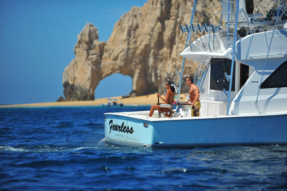 Los cabos beach vacations insider 39 s guide for Cabo san lucas fishing season