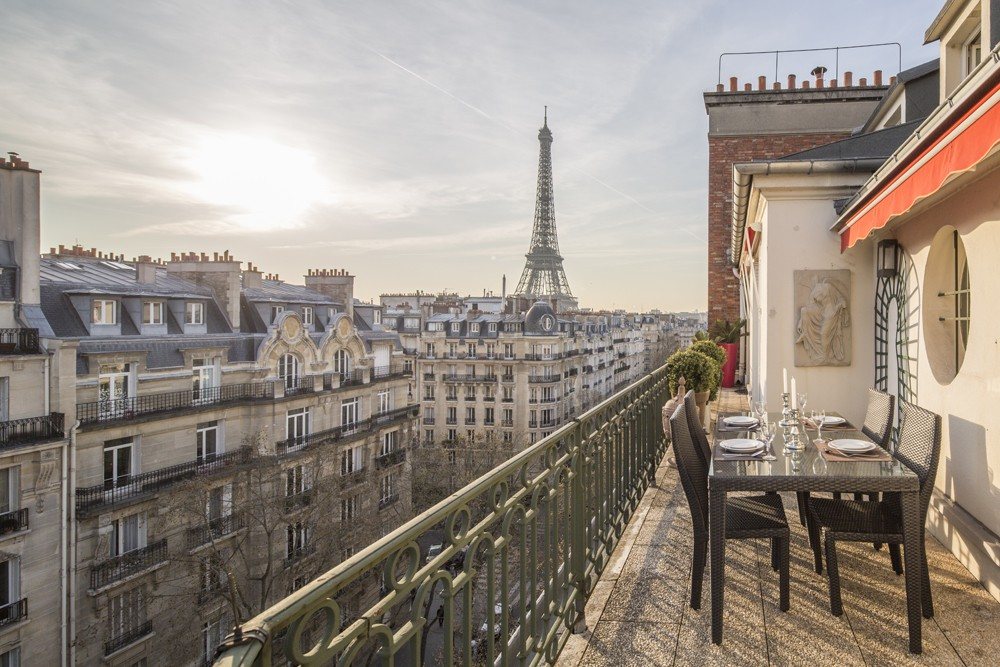 paris vacation rental with view of eiffel tower France