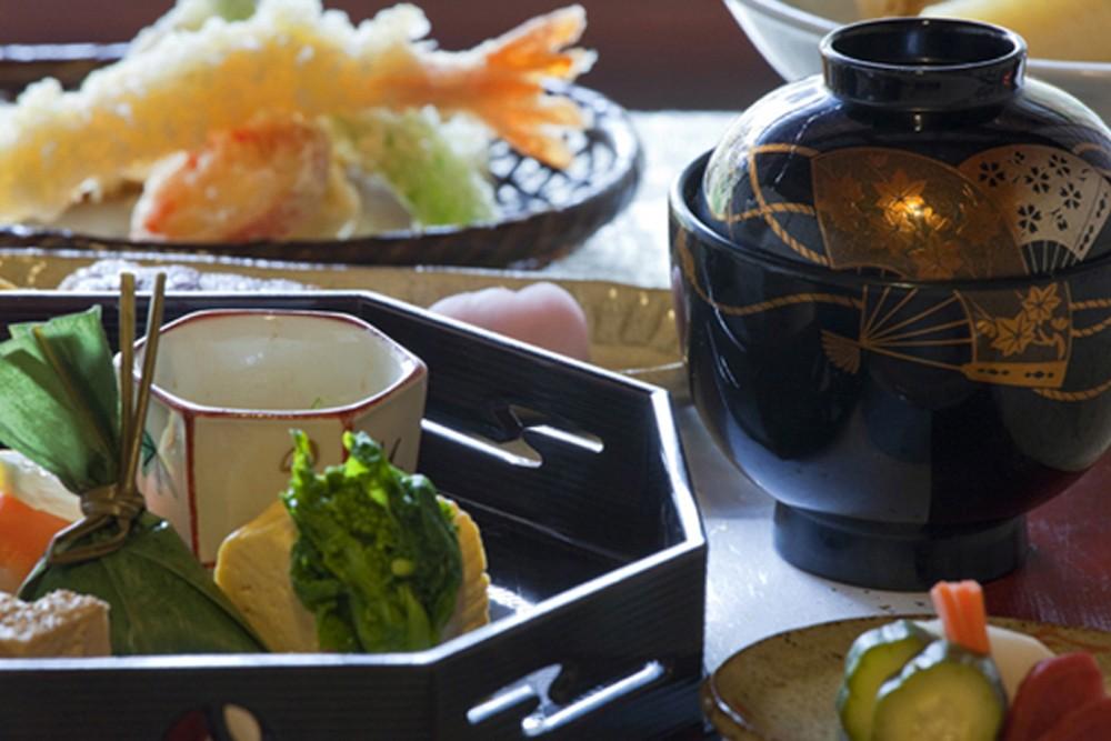 traditional kaiseki dinner in Kyoto Japan