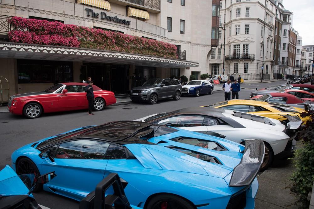 Me Hotel London Parking
