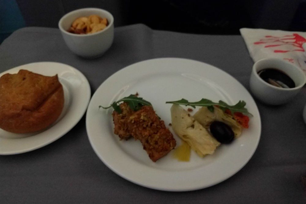 United 787 appetizer