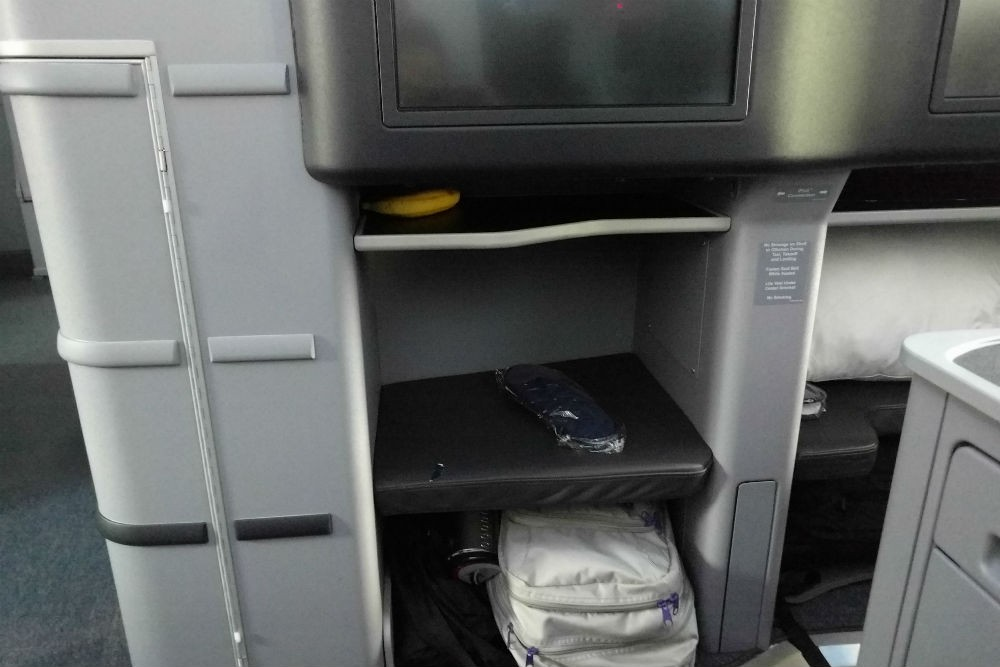 United 787 cubby space