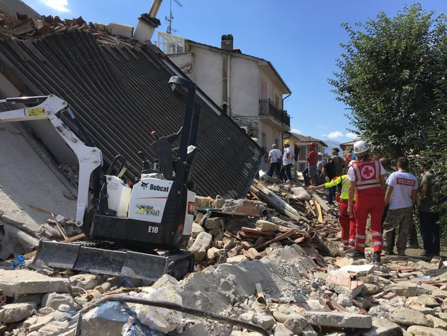 The Red Cross offers aid to victims of the Central Italy Earthquake of August 24, 2016. Photo: Croce Rossa Italiana