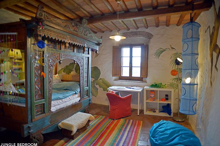 Italy villa ca di pesa jungle room