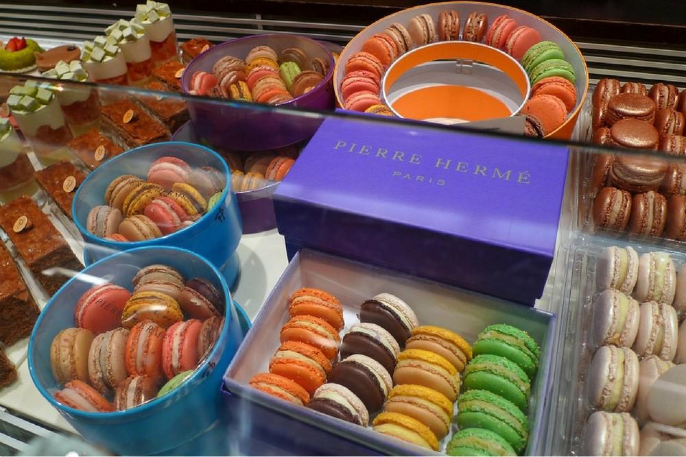 Macarons Pierre Hermé bakery, Paris