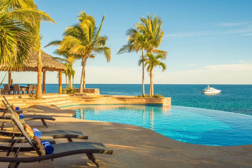 Villa Cielito Los Cabos looking out over an infinity pool and ocean