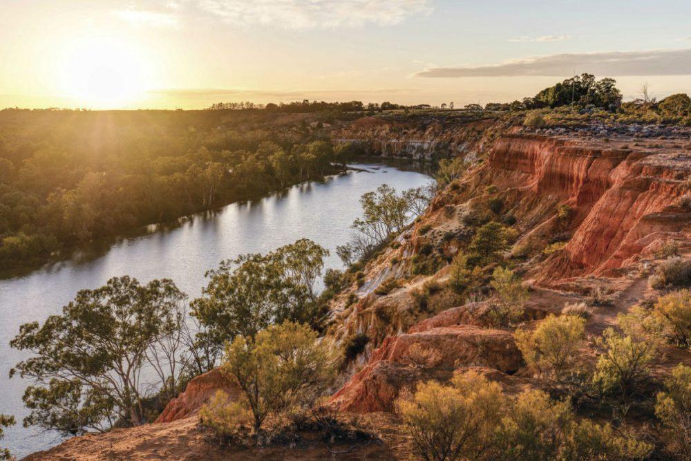 Headings Cliffs Murray River Walk Australia