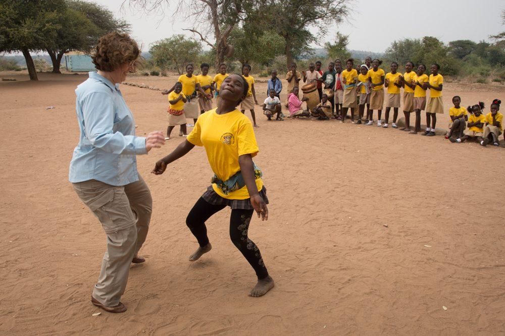 Zambia Chiawa Wendy dancing