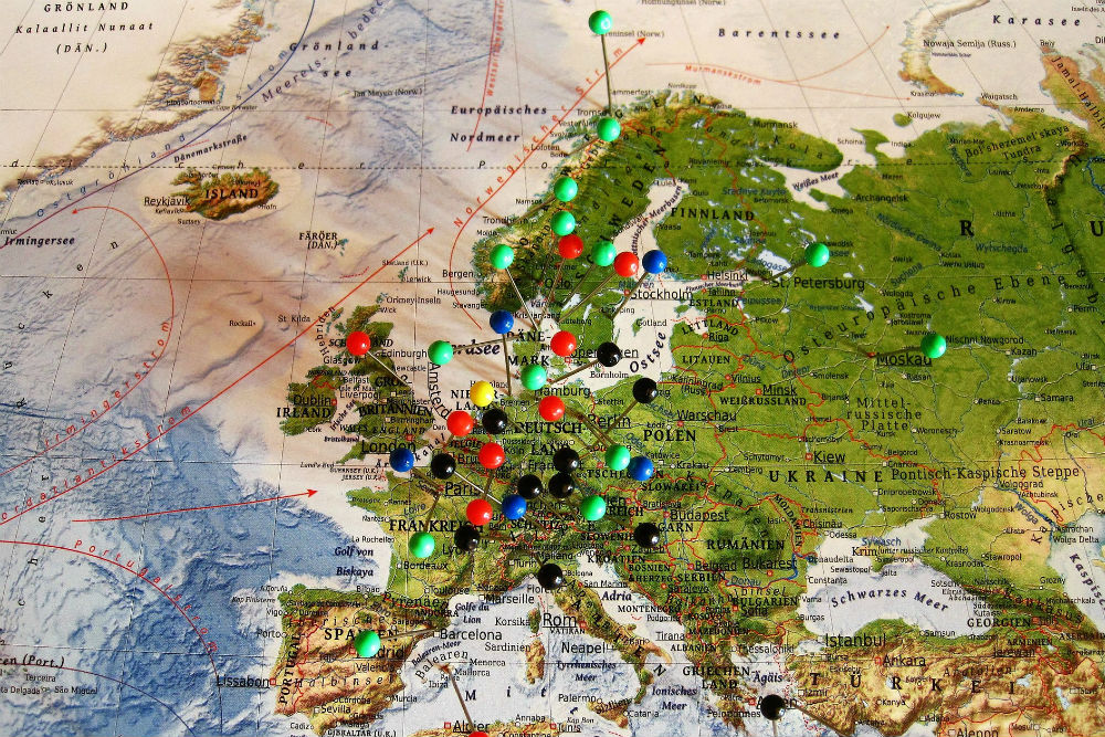 Europe map with pins-1646756_1920 CR Pixabay
