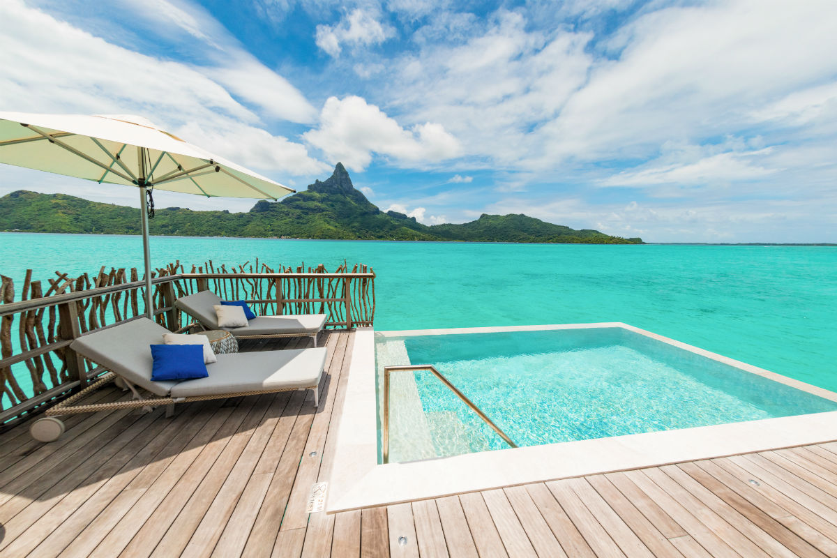 wow moment a surprise night in an overwater bungalow. Black Bedroom Furniture Sets. Home Design Ideas