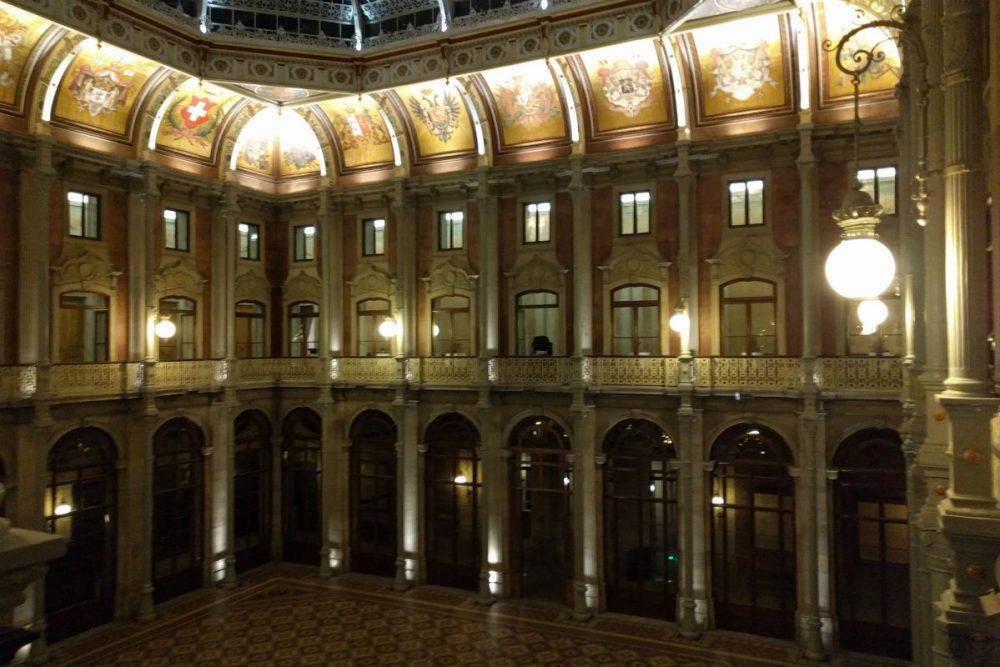 Palácio da Bolsa interior Porto Portugal
