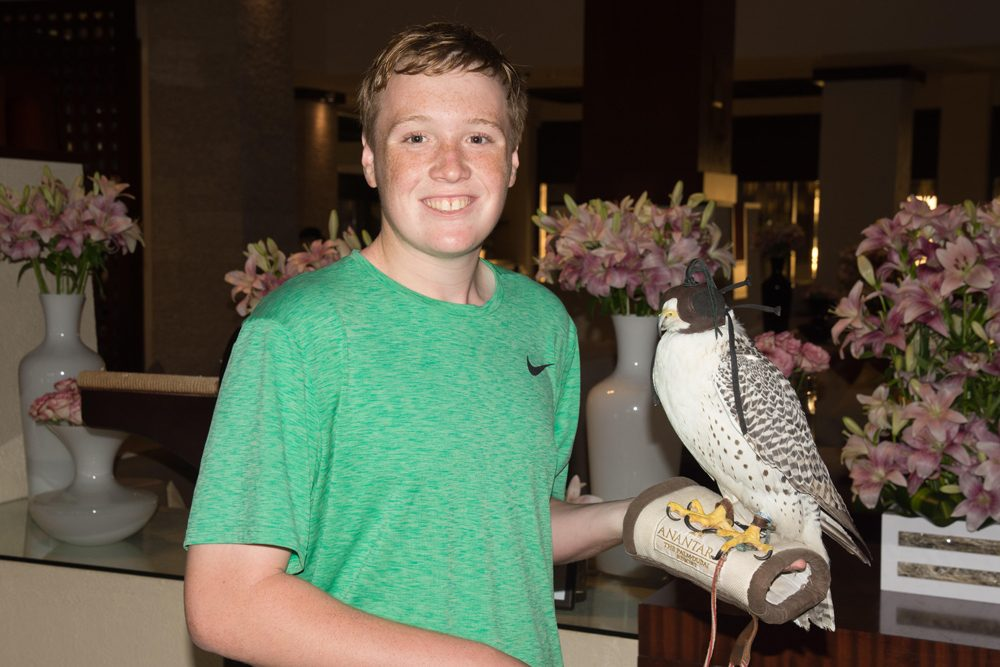 Charlie befriends a falcon in Dubai