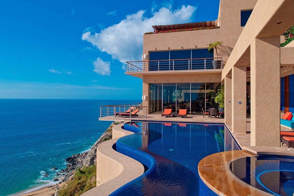 villa in Los Cabos Mexico with infinity pool