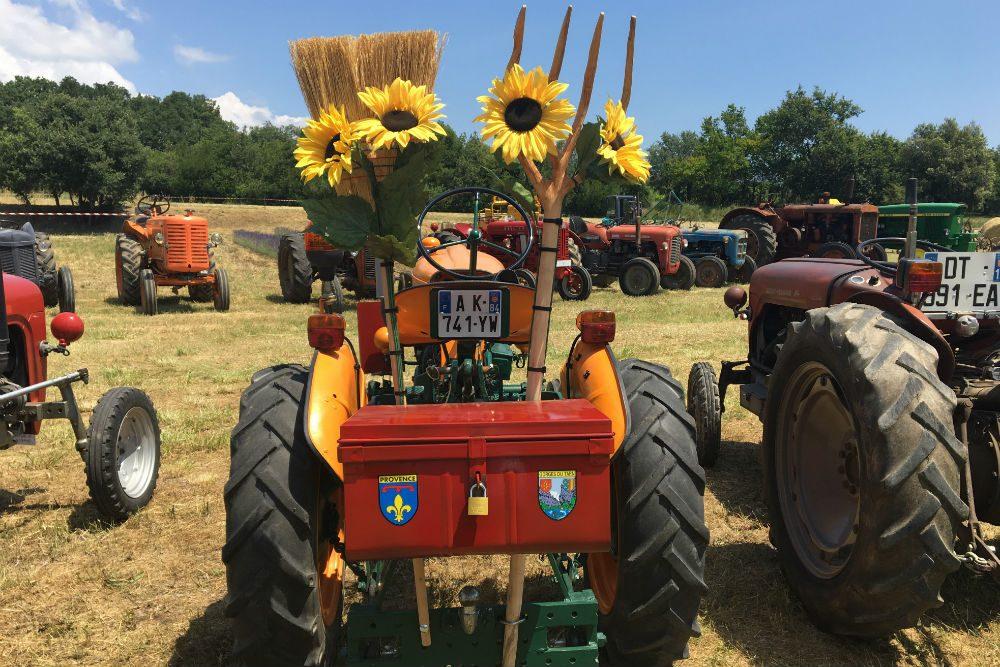 Tractor show Rousillon Provence France