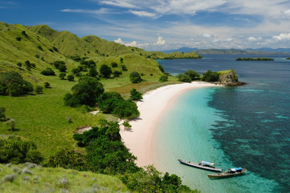 Komodo National Park island paradise for diving and exploring. The most populat tourist destination in Indonesia, Pink beach, Nusa tenggara Indonesia