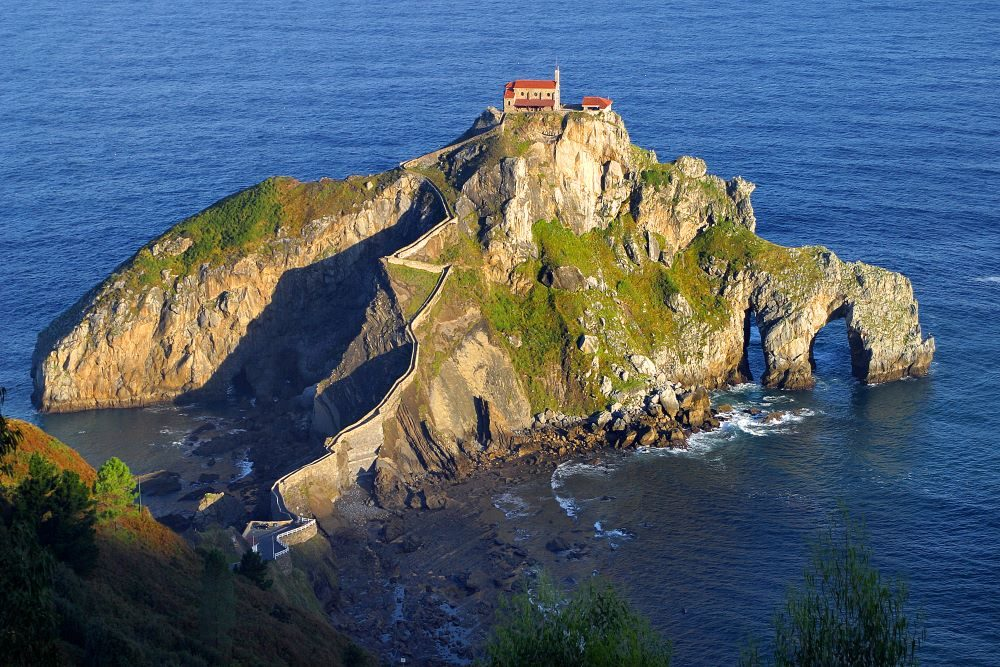 "The Spanish island of San Juan de Gaztelugatxe stood in for ""Dragonstone"" in Game of Thrones"