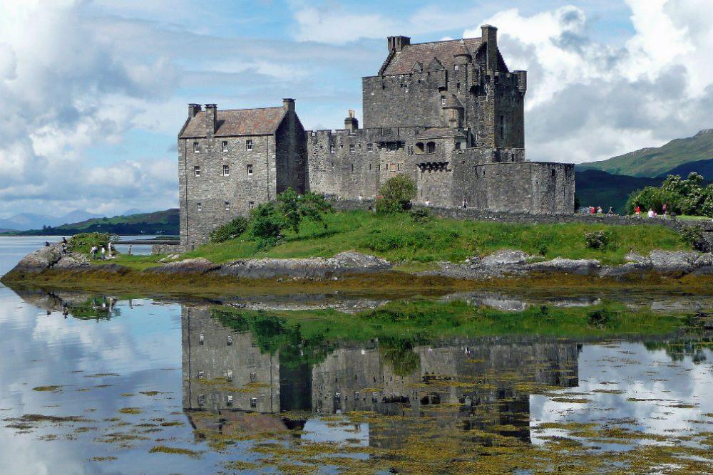 eilean-donan-castle-Scotland UK