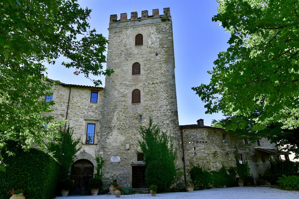 luxury Italian villa rental that looks like a castle