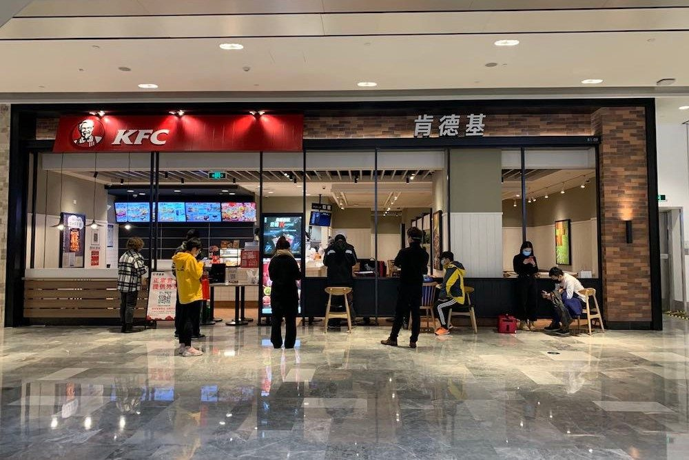 very few people in a shopping mall in China during the coronavirus outbreak