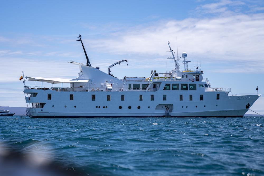 Galapagos La Pinta ship