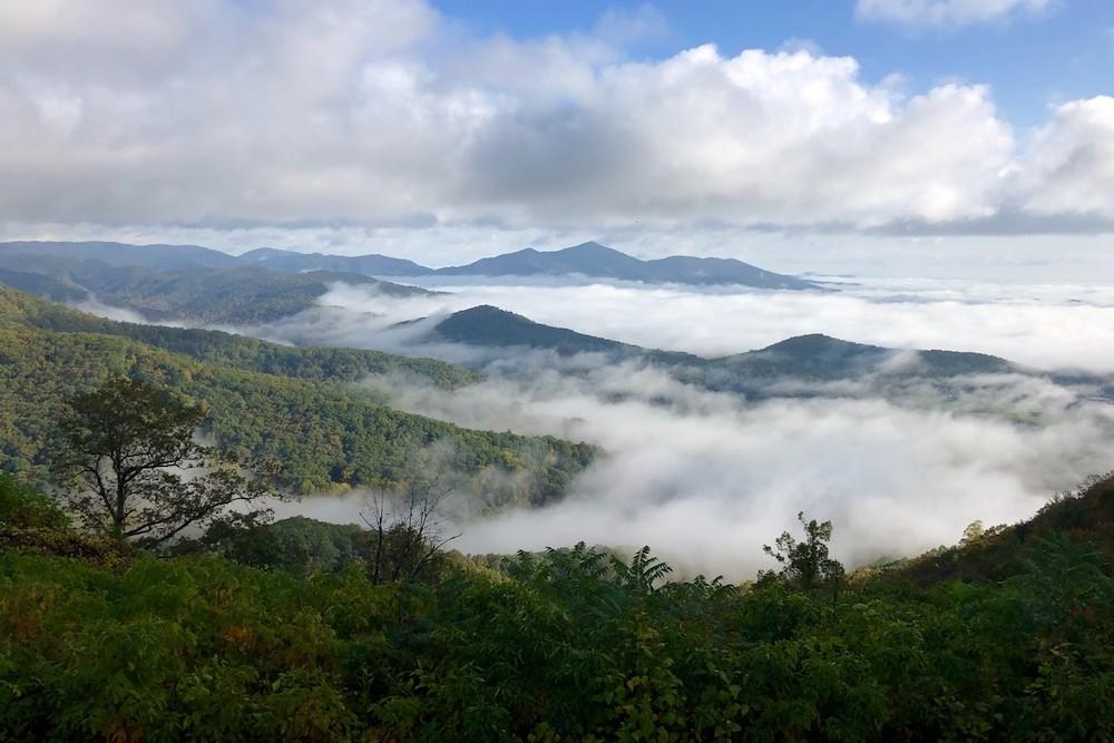 (2)Pine Spur Overlook on the Blue Ridge Parkway in Virginia